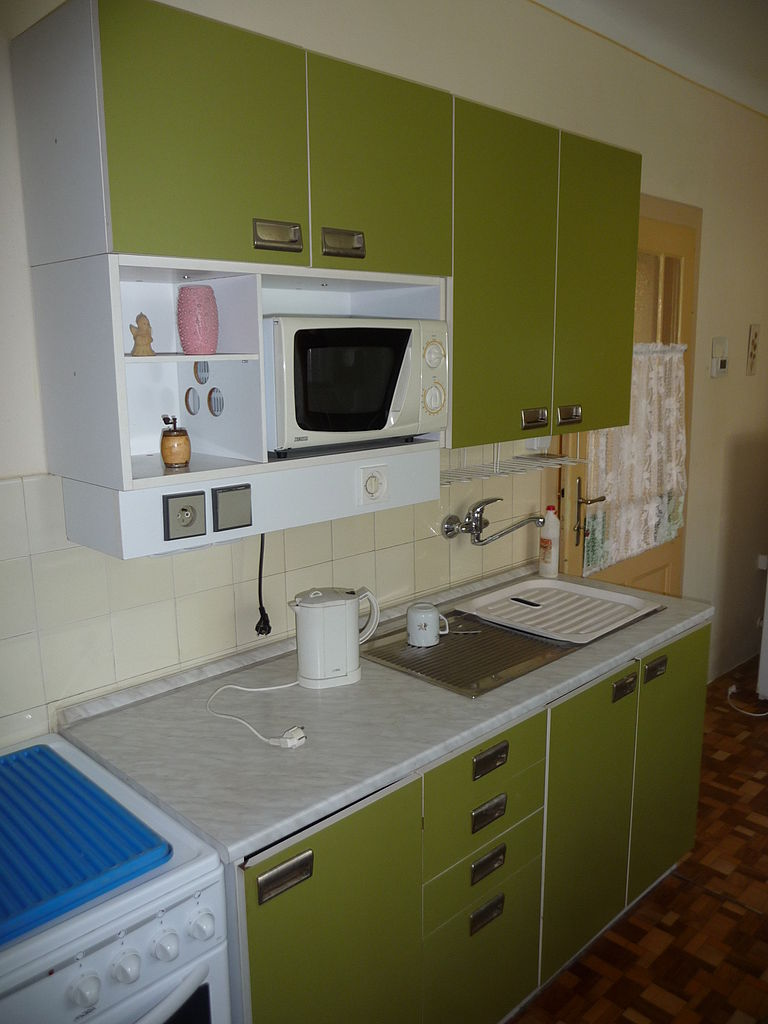 768px-green_kitchen_cabinet_1